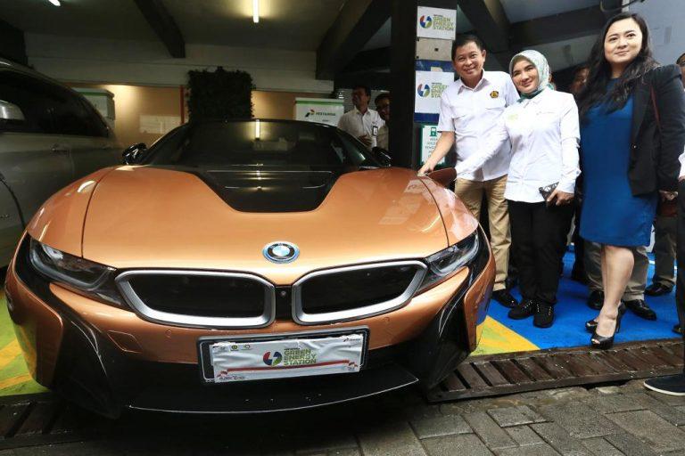 BMW Indonesia Sediakan BMW i Wallbox Plus di Pertamina Green Energy Station untuk Pengisian Cepat
