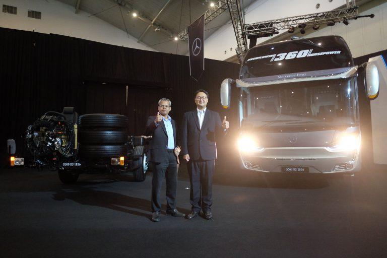 Hadirkan Dua Bus Anyar, Mercedes-Benz Jawab Tuntutan Moda Transportasi Aman