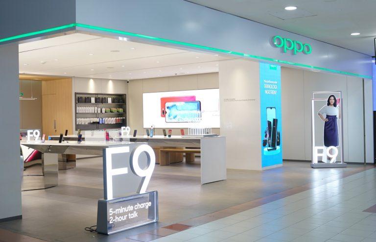 Jaring Konsumen Kelas Premium, OPPO Buka Toko Konsepdi Mall Ambassador
