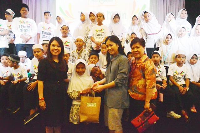 Mister Aladin Berbagi Kebaikan dan Jadi Teman Main bagi Anak-anak Taman Asuhan Aisyiyah di KidZania
