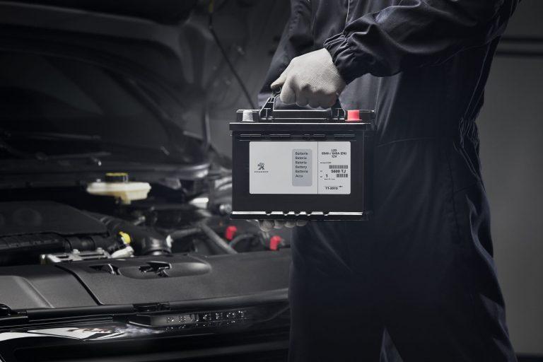 Peugeot Berikan 5 Tahun Perawatan dan 3 Tahun Garansi untuk Konsumen Peugeot New 3008