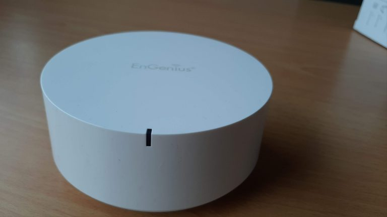 Review EnGenius Mesh Router EMR3500 dan EMD1 Mesh Dot: Bikin Koneksi WiFi Indoor Tanpa Dead Zone