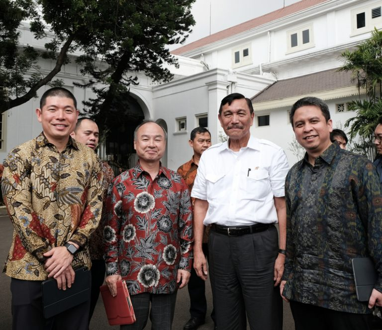 Demi Infrastruktur Digital Indonesia, SoftBank Investasikan USD 2 Miliar melalui Grab