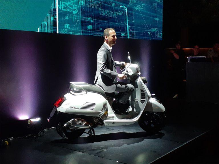 Skuter Terbaik Vespa GTS Super Tech 300 Resmi Meluncur di Indonesia