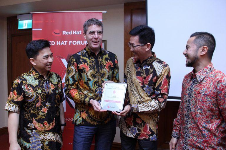 BCA dan Telkomsel Raih Penghargaan di Ajang Red Hat Forum Asia Pasifik 2019
