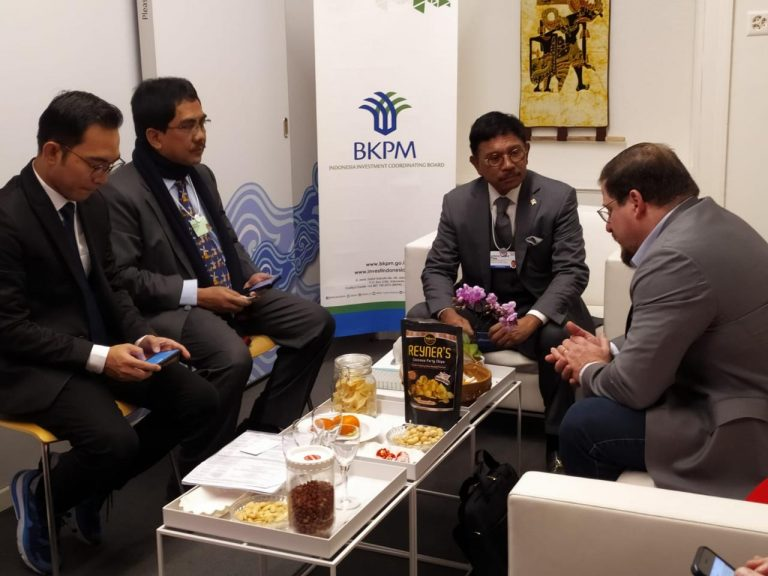 Menkominfo Bahas Kerja Sama Pengembangan Teknologi 5G dengan Qualcomm di Davos