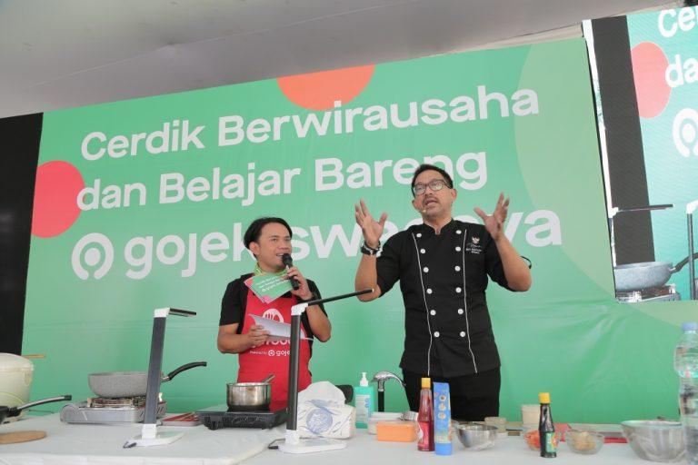 Gojek Swadaya Gelar Program Pelatihan Kelas Masak bersama Istri Mitra Driver
