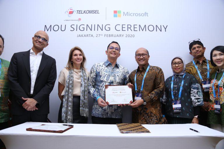 Sasar Daerah Terpencil, Microsoft dan Telkomsel Bentuk Kemitraan Strategis
