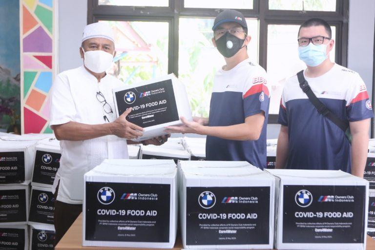 Program Care4Water Indonesia, BMW Indonesia Salurkan Paket Sembako bersama MOCI