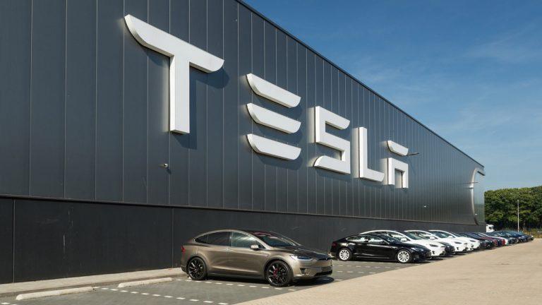 Elon Musk Mau 'Geser' Markas Tesla ke Nevada atau Texas