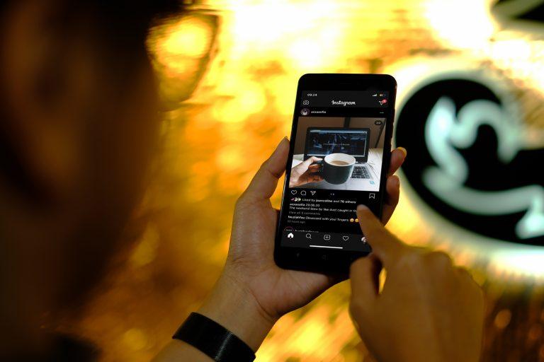 Di antara 4 Media Sosial Terpopuler, Siapa yang Sering Diakses Pengguna 3 Indonesia?