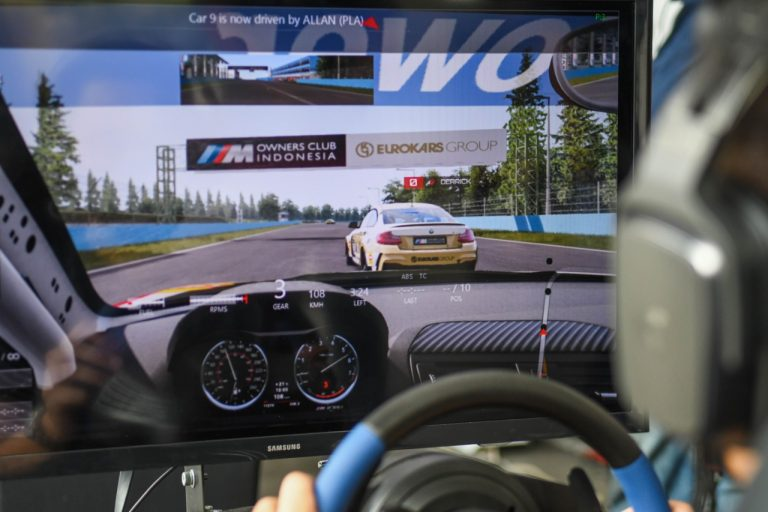 BMW M Owners Club Indonesia Gelar Kompetisi Virtual Racing Academy