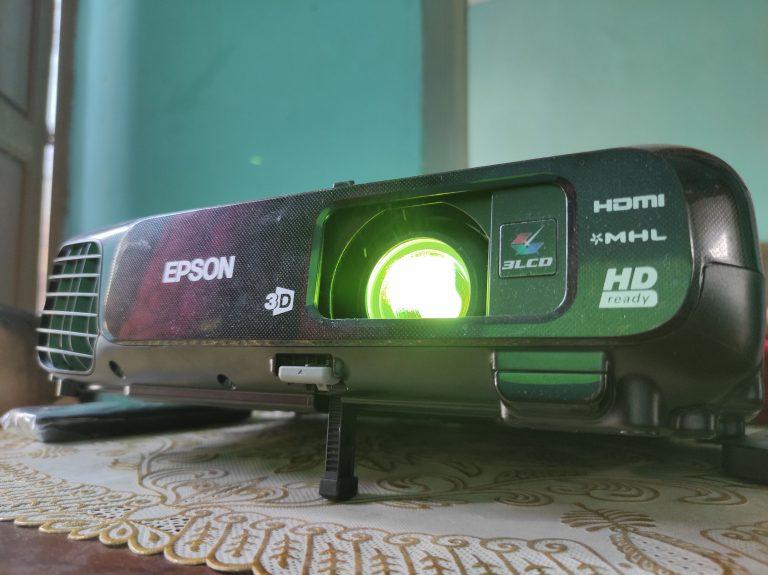 Review Epson EH-TW570: Gambar Ciamik, Bikin Ketagihan Nonton Konten