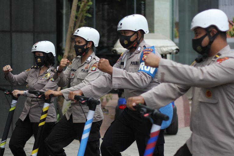 Grab Hadiahkan 30 Unit GrabWheels untuk Polda Metro Jaya