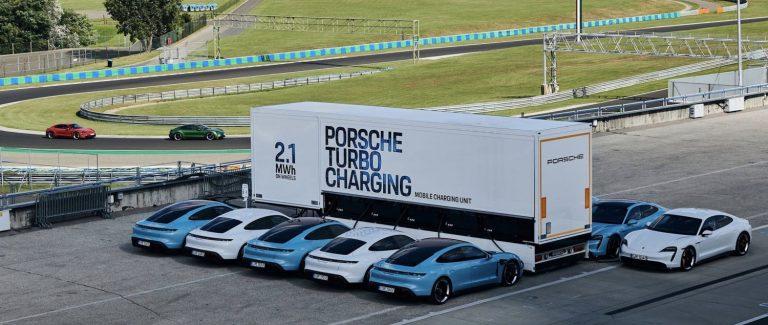 Mampu Mengecas 10 Mobil Listrik Taycan Sekaligus, Porsche Perkenalkan Mobile Charger Berkapasitas 2.1 MWh