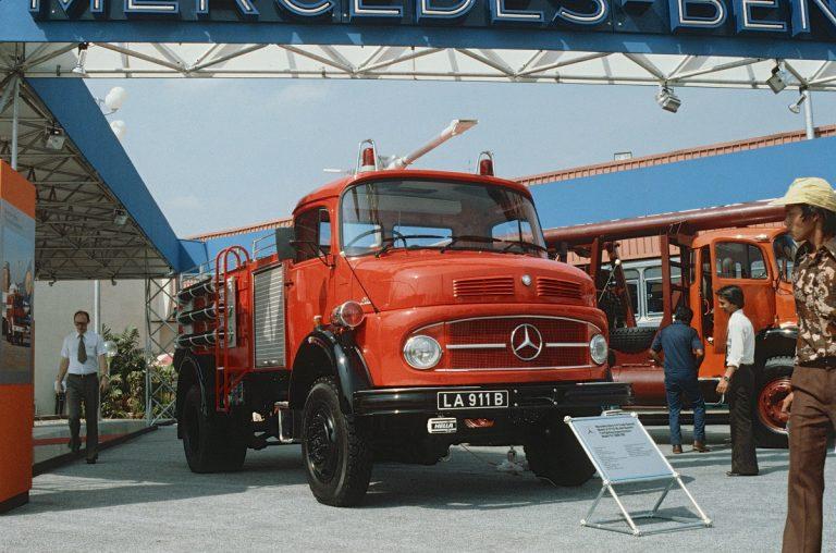 Rayakan 50 Tahun, Mercedes-Benz Bangkitkan Memori Kesuksesan di Segmen Kendaraan Niaga di Indonesia