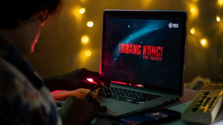 """Konten Horor Ramai Peminat, MAXStream Luncurkan Serial """"Dibalik Lubang Kunci"""""""