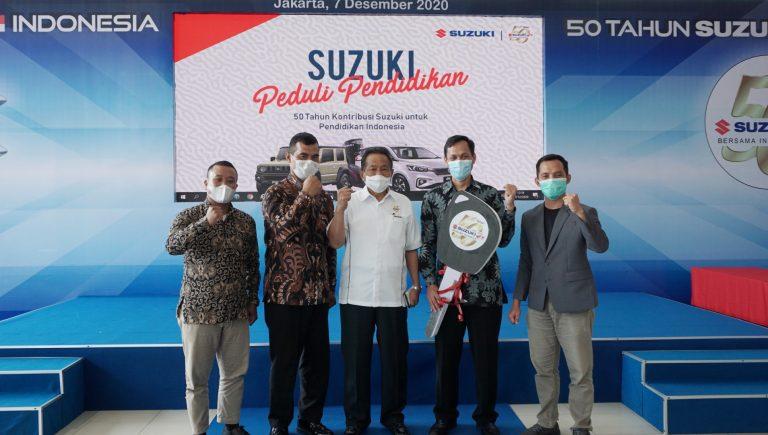 Rayakan Ulang Tahun, Suzuki Donasikan 5 Mobil ke Intitusi Pendidikan di Jabodetabek