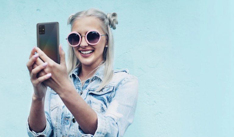Samsung Galaxy A31 Bisa Jadi Teman Setia Mendengarkan Musik dan Berkaraoke di Tengah Pandemi Covid-19