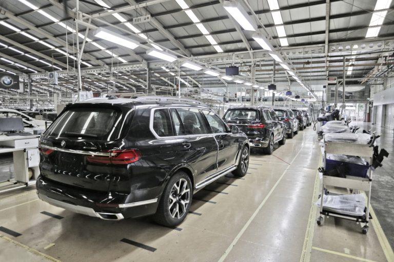 BMW X7 xDrive40i Opulence 'Rasa' Lokal Mulai Mengaspal
