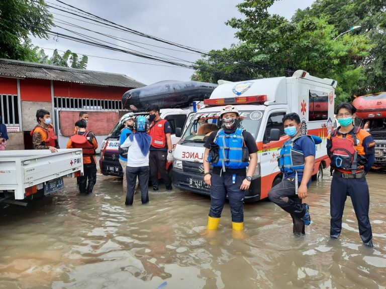 Suzuki Club Reaksi Cepat Sigap Bantu Korban Banjir
