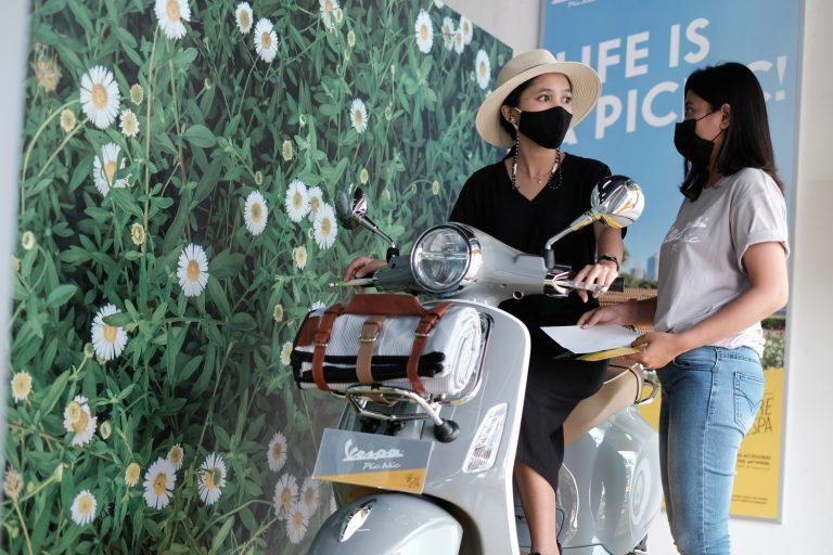 Dekorasi Khusus Dealer Motoplex, Piaggio Tularkan Semangat Positif Vespa Picnic