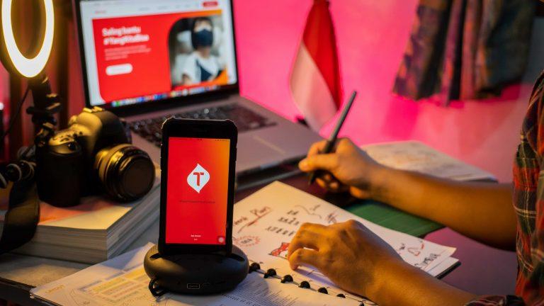 Makna Hari Kemerdekaan ke-76 RI Bagi Telkomsel: Tetap Tangguh dan Terus #BukaPeluangTumbuh untuk Indonesia