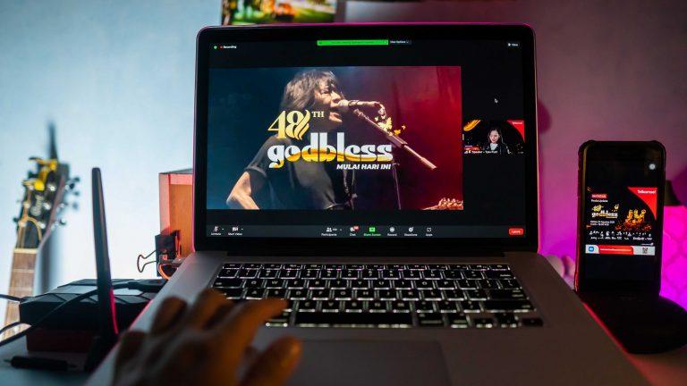 """Telkomsel Resmi Dukung Konser Virtual """"Godbless 48th Anniversary: Mulai Hari Ini"""" Lewat Aplikasi MAXstream"""
