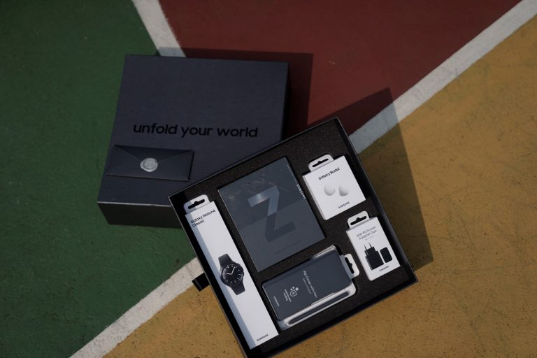 Samsung Indonesia Apresiasi Para Peraih Medali Olimpiade 2020 dengan Galaxy Z Fold3 5G