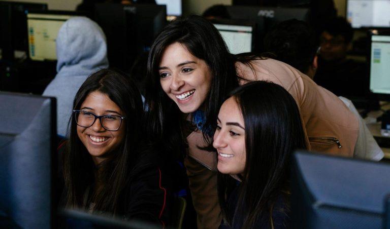 Berkolaborasi dengan Adobe, IBM SkillBuild for Student Perkenalkan Prinsip Belajar Desain