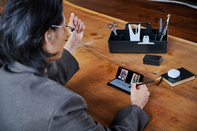 Ini Cara Tingkatkan Produktivitas dengan Galaxy Z Fold3 5G